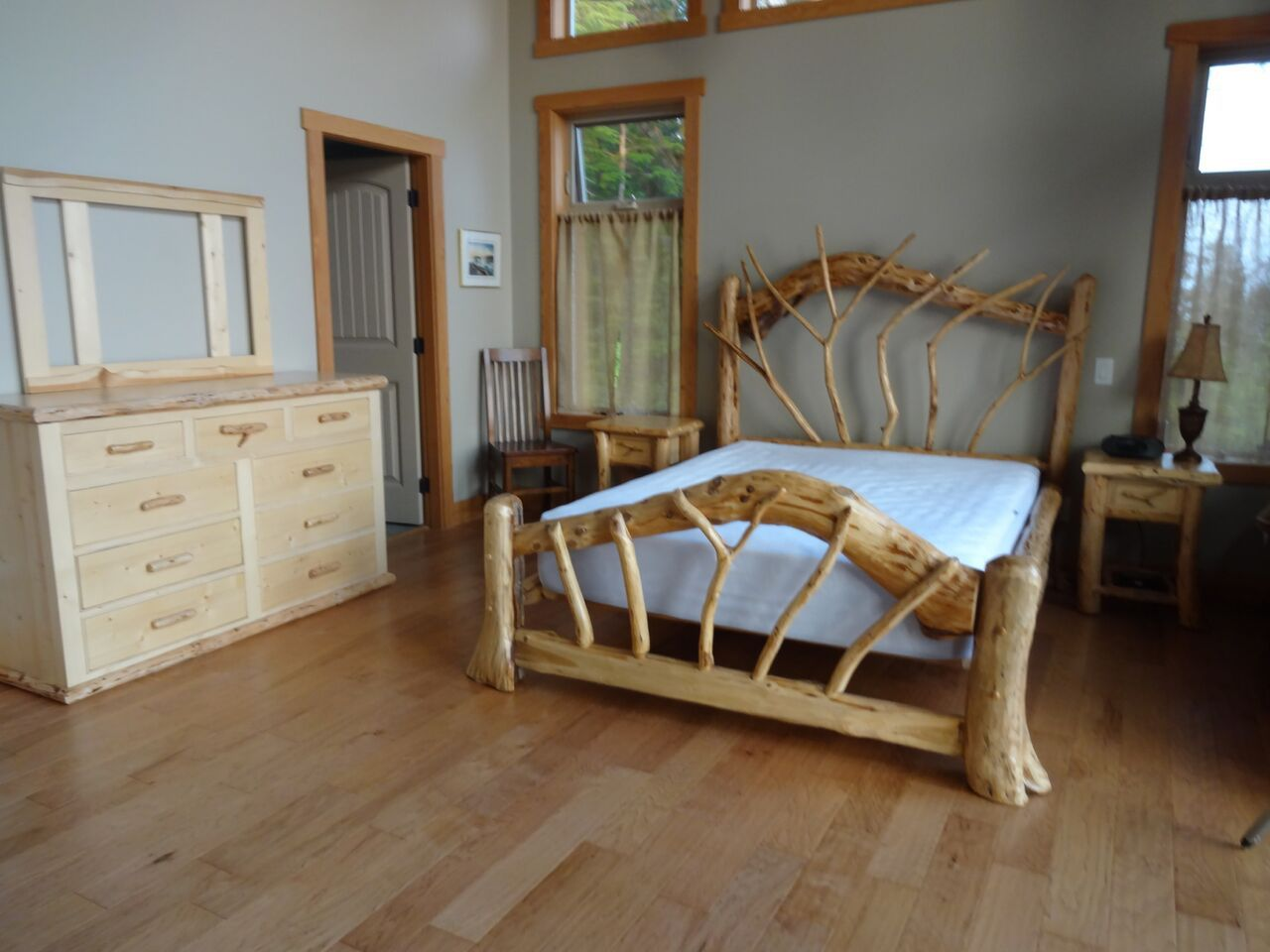 Rootsy Log Bed